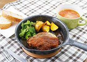 お家で楽しむ食欲の秋 神戸ポークのやわらかトンテキと ミネストローネ